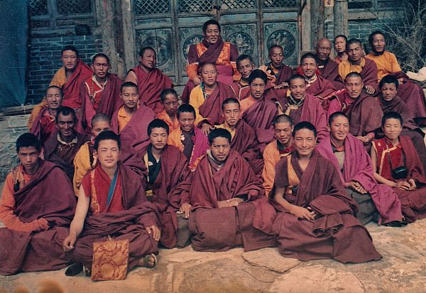 Wait for HD picture 6-H.H. with monks of Duomang in Wutai Mountain